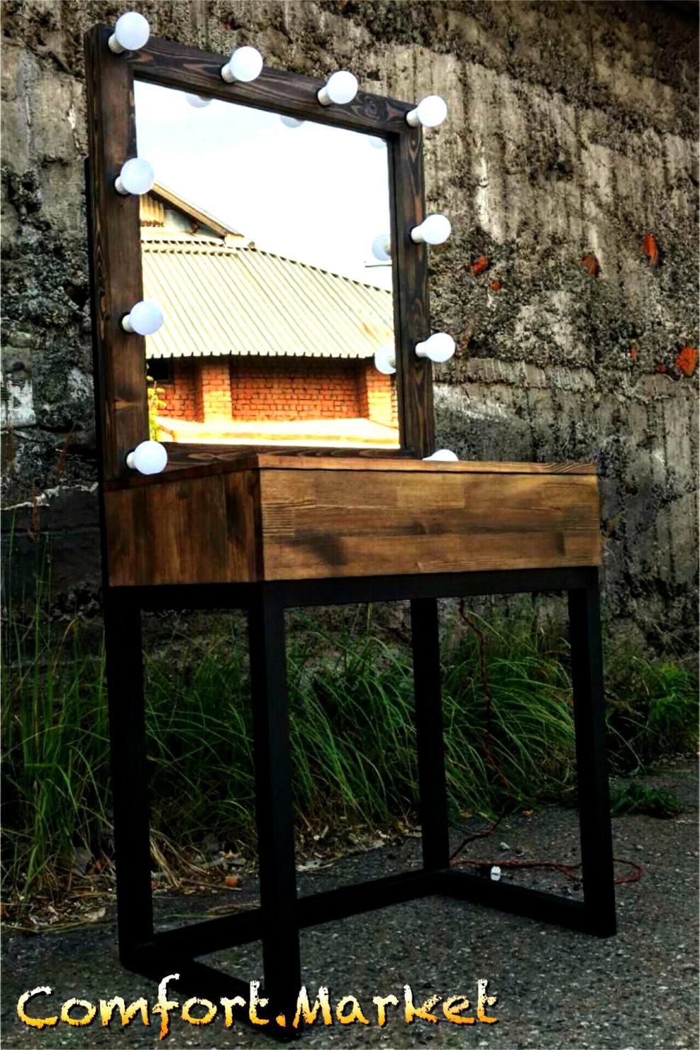 Купить гримерное зеркало и стол визажиста из массива дерева в Киеве.