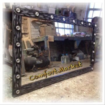 Зеркало для двоих мастеров макияжа из дерева, декорированное как старинная мебель